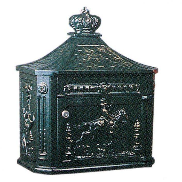 Postkasse B4 væghængt. Engelske postkasser. Klassiske postkasser. Mørkegrøn, sort